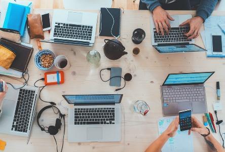 Bewusstsein für Legasthenie bei Erwachsenen: Kurse für die Arbeitswelt