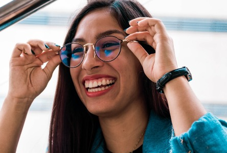 Hörgeräte und Brille: Nivellierung des sensorischen Spielfeldes