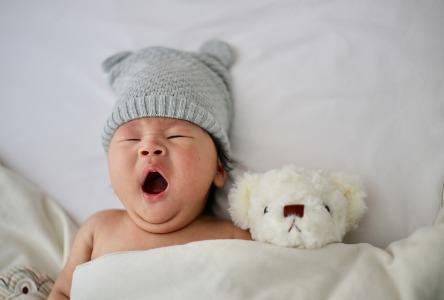 Säurerückfluss beim Baby: Schützen Sie Ihr Baby