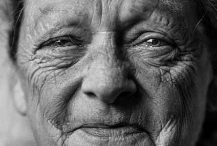 Altern Sie mit diesen wunderbaren Tipps in Würde, um Ihnen zu helfen