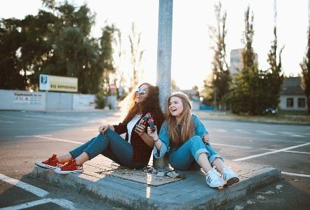 Gemeinsame Frauengesundheitsfragen für junge Frauen