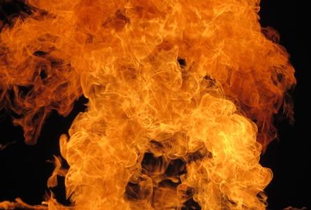 Die Flammen der Pyromanen