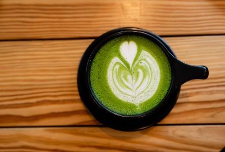 Grüner Tee vs. Schwarzer Tee